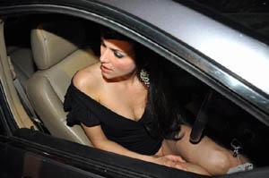 Yana Gupta Without panty